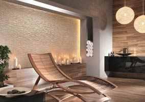 kamień dekoracyjny na scianie w salonie